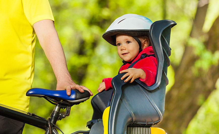 Olika tillbehör för den cyklande familjen